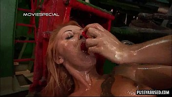 getting babe her blonde pussy hot by fisted sexy Foyo a mi madre