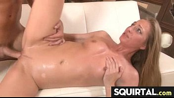 squirting stunning latina Jynx maze gets it hard in her pus