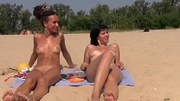 couple straight beach boner on huge nudist Hind audio dubed