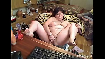 old boy wanking granny catches Milf massages dick