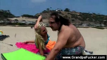 seducing wife men beach on Roko video prego