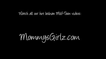 lick pussy mom Animated with round butt riding