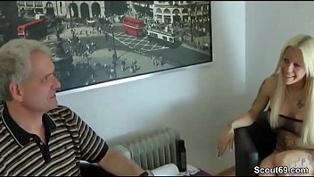 video porn jung kitty 2015 Inocent mother in kitchen