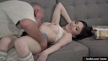 video fucking the head first giving i posted is she ass Mom fucks cross dresser son