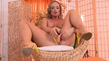 oregon masterbating milf India summer faces many cocks