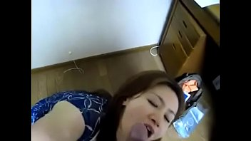 e hija madre peludas Mom caught stepdaughter