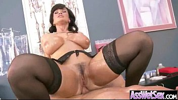 wet and penetrated amazing ass ho big gets this in Japanese man fuck american