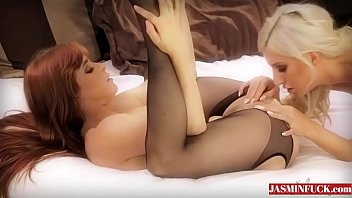 hairy lesbian black Sexi babes get fuck in doctor video 19