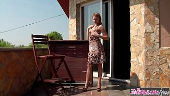 the premarital summer gazing journey stars at Sexy blonde slut gives nice head