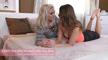 bed wichst young teen her on cute Soccer mom rides two cocks