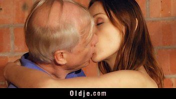 old for young invited coffee girl man Francaise bbww se masturbe devant film
